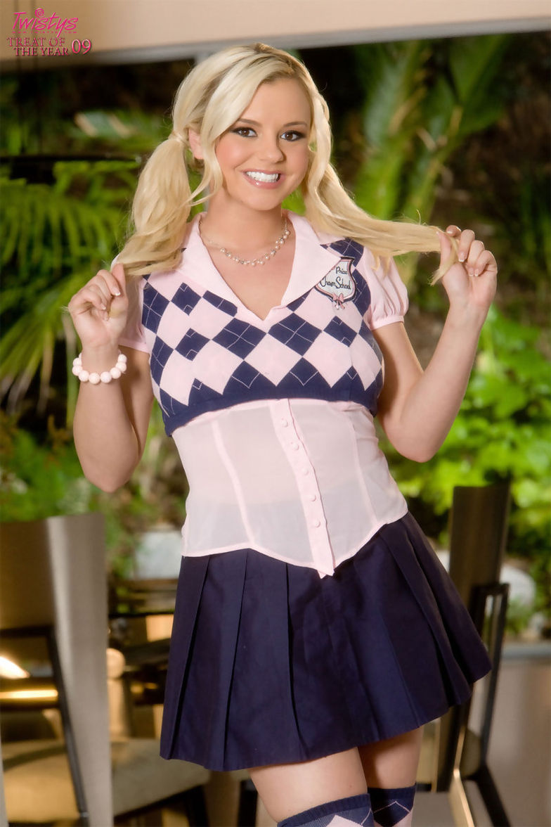 bree olson - naughty blonde pornstar bree olson is more than ready to