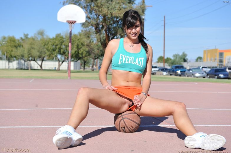 sexy naked basketball girl