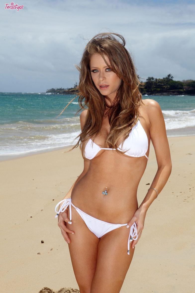 beach models emily - photo #38