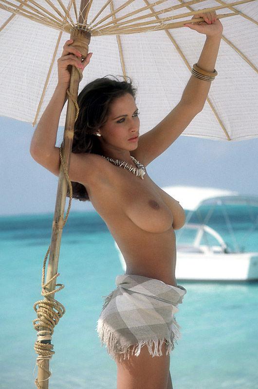 Sophie dee and yurizan beltran stripping - 4 4