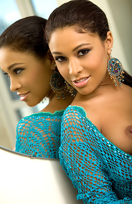 Lauren D'Marie is a caramel hottie whose body could not be...