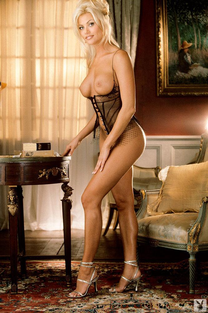 Matchless Playmate lisa dergan nude