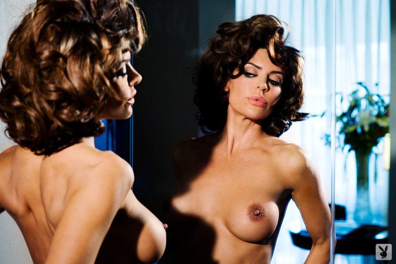Halie Duff Nude