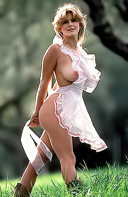 Vintage blonde Lynda Wiesmeier is a curvy babe that made...