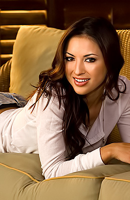Exotic dark haired sensual Talia Kristin exposes her nude...