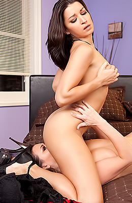 Ann Marie Rios scores with a hot chick after a long night...