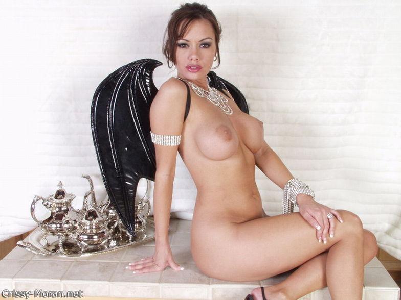 pretty asian women naked