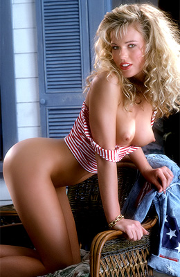 Retro model Wendy Kaye knows that no guy will be able to...